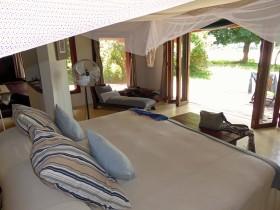Bush luxury at Luangwa River Camp